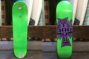 DOGTOWN SKATEBOARDS CROSS LOGO GREEN SKATEBOARD
